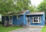 Foreclosed Home en CHARLES ST, Chittenango, NY - 13037