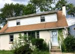 Foreclosed Home en FRANK ST, Somerset, NJ - 08873