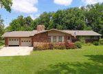 Foreclosed Home en SE 48TH ST, Newton, KS - 67114