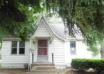 Foreclosed Home en N LAUREL ST, Staunton, IL - 62088