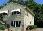Foreclosed Home en BRENT RD, Manchester, CT - 06042