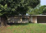 Foreclosed Home en LAMPLIGHT LN, Winter Haven, FL - 33884