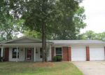 Foreclosed Home en WEDGEWOOD DR, Alton, IL - 62002