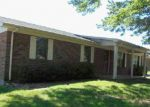 Foreclosed Home en VICKIE LN, Russell Springs, KY - 42642