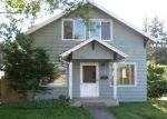 Foreclosed Home en N 1ST AVE, Kelso, WA - 98626