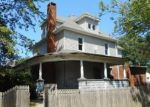 Foreclosed Home en W PINE ST, Canton, IL - 61520