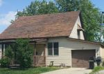 Foreclosed Home en W LAWRENCE AVE, Effingham, IL - 62401
