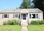 Foreclosed Home en ROUND HILL RD, Meriden, CT - 06450