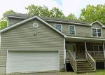 Foreclosed Home en COTTONWOOD CT, Milford, PA - 18337