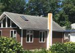 Foreclosed Home en DIVISION ST, Bristol, RI - 02809
