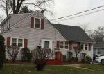 Foreclosed Home en PENNWOOD DR, Trenton, NJ - 08638