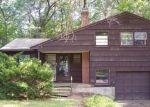 Foreclosed Home en HALE DR, Windsor, CT - 06095