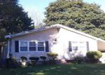 Foreclosed Home en CHAPEL HILL DR, Brentwood, NY - 11717