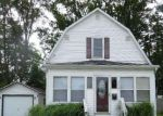 Foreclosed Home en E RAILROAD ST, Dowagiac, MI - 49047