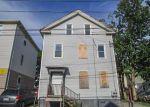 Foreclosed Home en HARRIET ST, Providence, RI - 02905