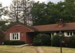 Foreclosed Home en CRISSMAN DR, Aliquippa, PA - 15001