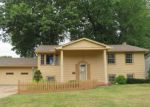 Foreclosed Home en SIGLE LN, Youngstown, OH - 44514