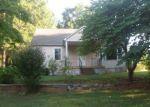 Foreclosed Home en BITTERSWEET RD, Winston Salem, NC - 27106