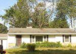 Foreclosed Home en W OGDEN CIR, Benton Harbor, MI - 49022