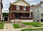 Foreclosed Home en W 34TH ST, Latonia, KY - 41015
