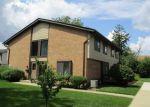 Foreclosed Home en PORTSMOUTH DR, Darien, IL - 60561