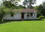 Foreclosed Home en MINE RD, Du Quoin, IL - 62832