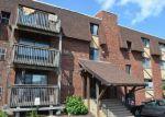 Foreclosed Home en E MAIN ST, Meriden, CT - 06450