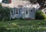 Foreclosed Home en 1ST ST, Dunellen, NJ - 08812