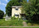 Foreclosed Home en W MCNUTT ST, Houston, PA - 15342