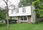 Foreclosed Home en HIGHBURY DR, Elgin, IL - 60120