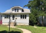 Foreclosed Home en W MOLTKE AVE, Milwaukee, WI - 53210
