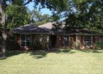 Foreclosed Home en HANGING MOSS DR, Granbury, TX - 76049