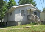 Foreclosed Home en E LAURA ST, Marshall, MO - 65340