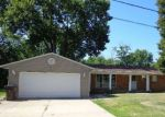 Foreclosed Home en W RONLYNN PL, Peoria, IL - 61604