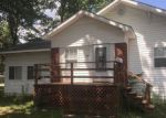 Foreclosed Home en W 6TH ST, Benton, IL - 62812