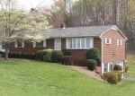 Foreclosed Home en DOGWOOD DR, Winston Salem, NC - 27105