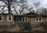 Foreclosed Home en OUTLOOK BLVD, Keyport, NJ - 07735