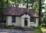 Foreclosed Home en E SHORE RD, Lake Hopatcong, NJ - 07849