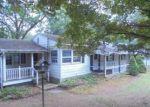 Foreclosed Home en CLAYTON RD, Danbury, CT - 06811