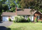 Foreclosed Home en CONNERY RD, Middletown, CT - 06457