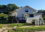Foreclosed Home en W EASTON ST, Hamden, CT - 06514