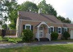 Foreclosed Home en LYNMOT RD, Hamden, CT - 06514