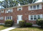 Foreclosed Home en ROBERT TREAT DR, Milford, CT - 06460
