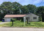 Foreclosed Home en PLEASANT VIEW AVE, Waterbury, CT - 06705