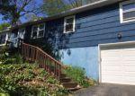 Foreclosed Home en LAUREL LEAF DR, Gales Ferry, CT - 06335