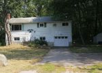 Foreclosed Home en CRESTVIEW DR, Gales Ferry, CT - 06335