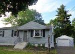 Foreclosed Home en HOLDSTOCK PL, East Hartford, CT - 06108