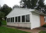 Foreclosed Home en LOG CABIN RD, York, PA - 17408