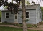 Foreclosed Home en S 28TH ST, Milwaukee, WI - 53221