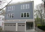 Foreclosed Home en LAGRANGE ST, West Roxbury, MA - 02132